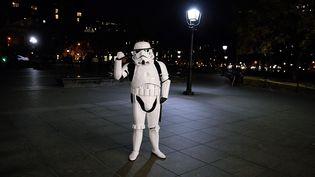 """Fan participant à la """"Light Battle Tour"""" à New York, le 18 décembre 2015  (John Lamparski / GETTY IMAGES NORTH AMERICA / AFP )"""