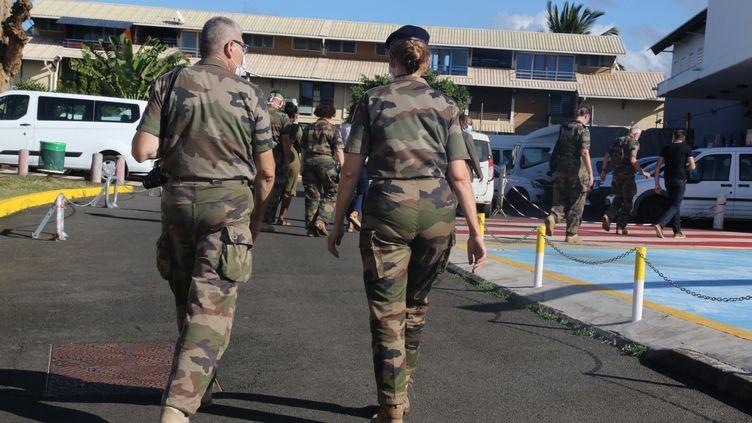Image d'illustration de militaires à l'hôpital de Mamoudzou, en juin 2020. (ALI AL-DAHER / AFP)