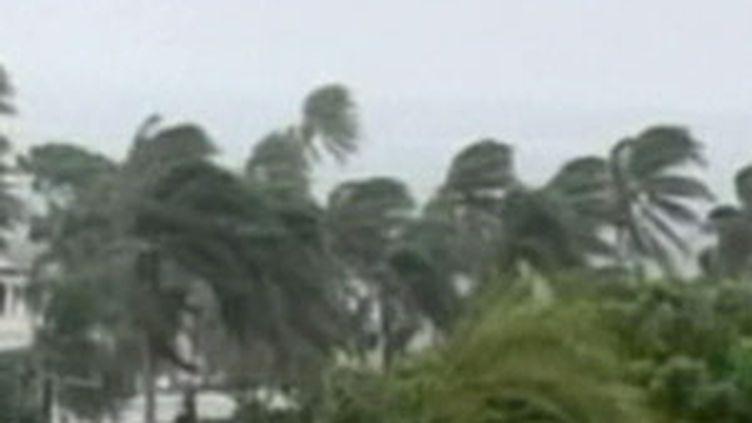 Violentes rafales sur les Fidji (16/03/2010) (France 2)