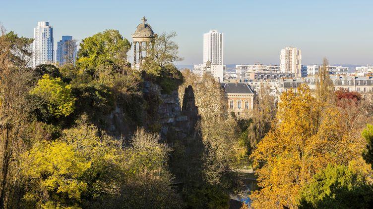 Le parc des Buttes-Chaumont, dans le 19e arrondissement à Paris. (GARDEL BERTRAND / HEMIS.FR / HEMIS.FR)
