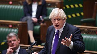 Le Premier ministre britannique, Boris Johnson, à la Chambre des communes, le 2 décembre 2020. (JESSICA TAYLOR / AFP)