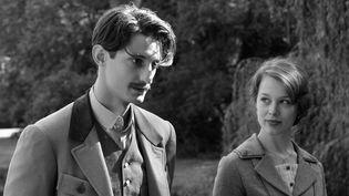 """Pierre Niney et Paula Beer dans """"Frantz""""  (Mars Film)"""