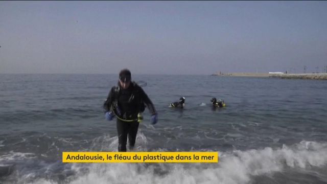 Espagne : le plastique pollue la mer en Andalousie