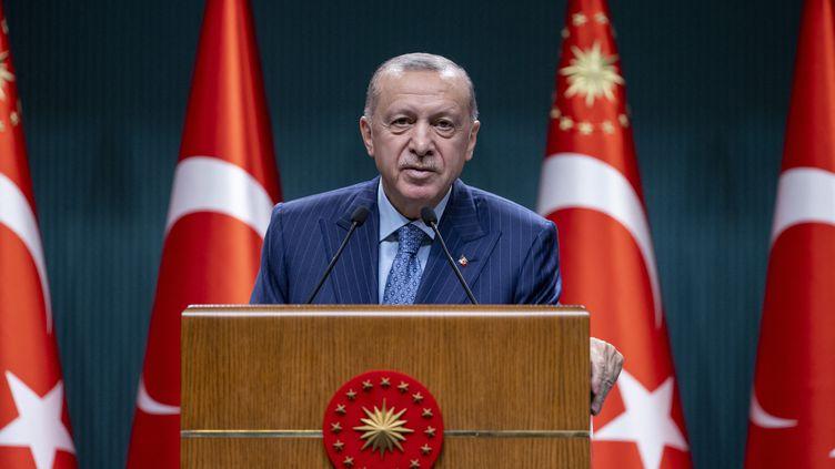Le président turcRecep TayyipErdogan à Ankara, le 25 octobre 2021. (AYTAC UNAL / ANADOLU AGENCY)