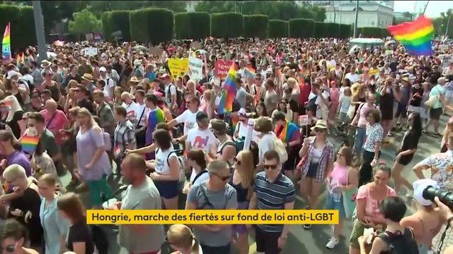 Hongrie : des milliers de personnes mobilisées pour défendre les droits des LGBT
