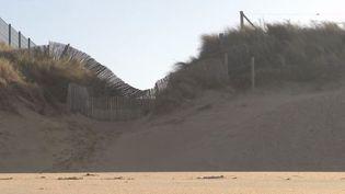 Des travaux sont effectués pour protéger le littoral, dansle département de la Manche. (FRANCE 3)