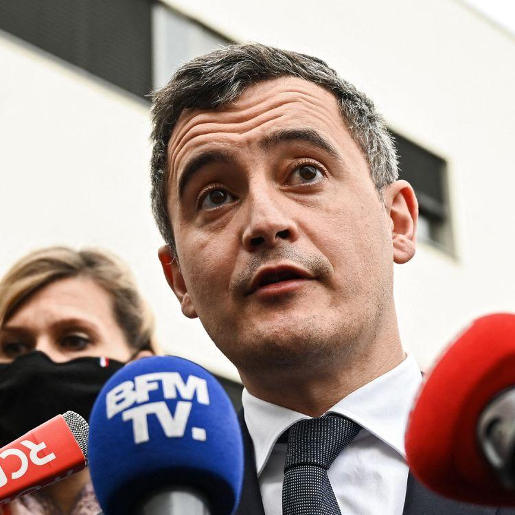 Le ministre de l'Intérieur, Gerald Darmanin, le 15 février 2021 à Annemasse (Haute-Savoie). (PHILIPPE DESMAZES / AFP)