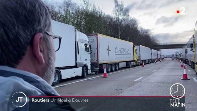 Royaume-Uni: un Noël à Douvres pour les routiers