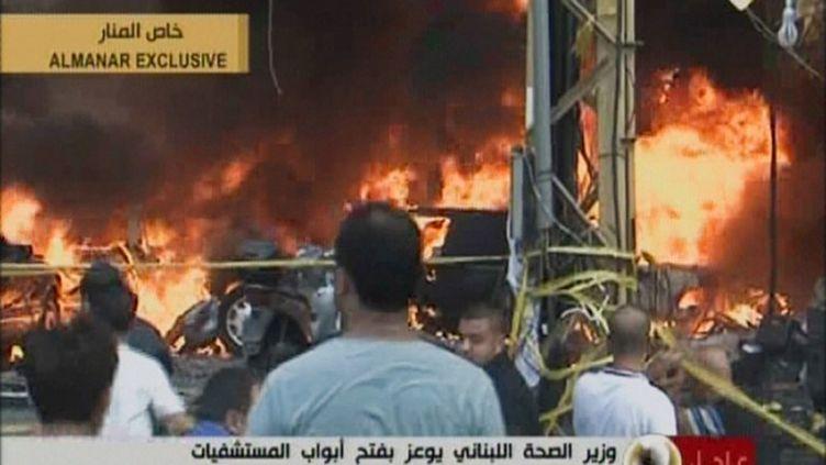 Image de la télévision du Hezbollah, qui montre les dégâts, après la puissante explosion qui a secoué la banlieue sud de Beyrouth (Liban), le 15 août 2013. (AL-MANAR / AFP)