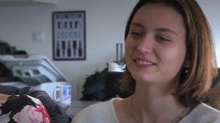 Le 1er janvier 2000, à la maternité de Saint-Jean-de-Maurienne, en Savoie, Clémence Delacourt était officiellement le premier bébé français du nouveau millénaire. Vingt ans plus tard, elle vient de fêter en famille cet événement un peu particulier. (France 3)