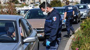 Le maire de Sète (Hérault) avaitmis en place des contrôles renforcés pour limiter l'accès de la ville aux non-Sétois pendant le long week-end de Pâques. (PASCAL GUYOT / AFP)