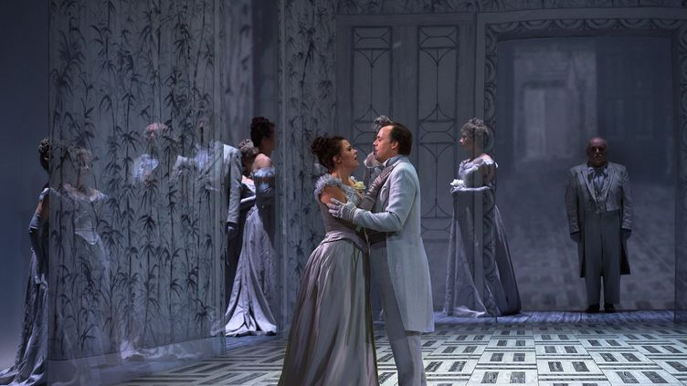 """Scène de """"La Traviata"""" à l'opéra de Metz (CHRISTIAN BREMONT)"""