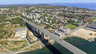 Le viaduc deCaronteà Martigues (Bouches-du-Rhône), le 8 août 2016. (MOIRENC CAMILLE / HEMIS.FR / AFP)