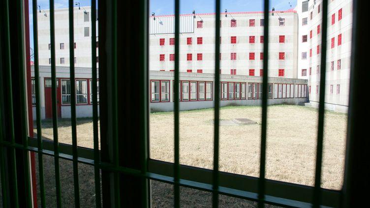 Il fait jusqu'à 46 degrés dans certaines cellules (photo d'illustration de la maison d'arrêt de Nanterre). (THOMAS COEX / AFP POOL)