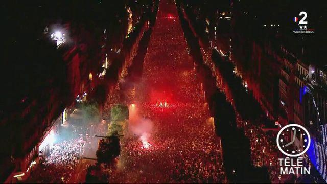 Coupe du monde : Paris envahi de supporters
