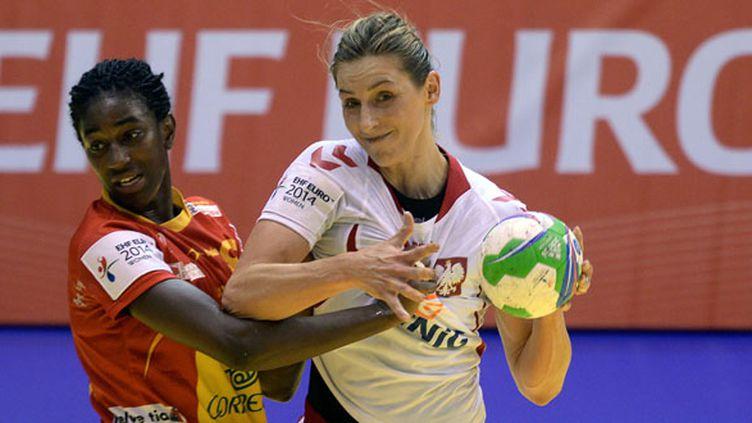 Duel entre la Polonaise Katarzyna et l'Espagnole Cabral (ATTILA KISBENEDEK / AFP)