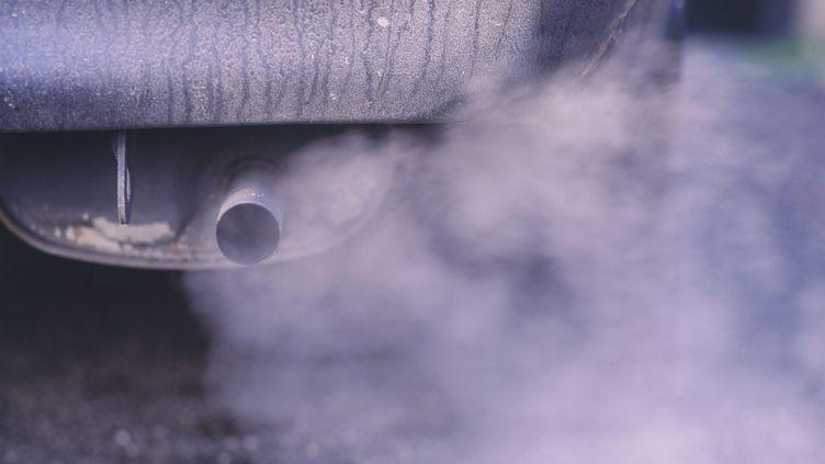 Les moteurs thermiques des voitures polluent. (MAXPPP)