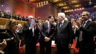 Le président de la République italienne, Sergio Mattarella avec le Premier ministre, Guiseppe Conte lors d'un meeting à Rome en 2019. (JACOPO LANDI / HANS LUCAS / AFP)