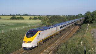 Un train Eurostar au Royaume-Uni, le 30 septembre 2015. (JOHN MILLER / ROBERT HARDING HERITAGE / AFP)