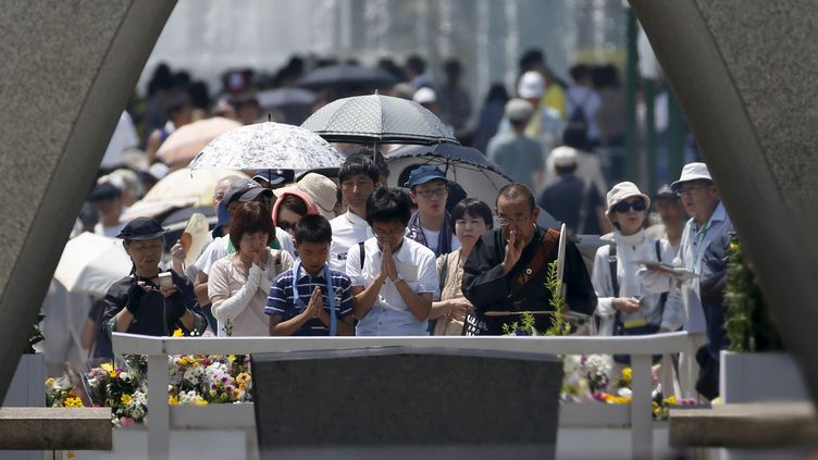 Cérémonie de commémoration à Hiroshima (Japon), le 6 août 2015, 70 ans après la première attaque nucléaire de l'histoire. (REUTERS STAFF / REUTERS)