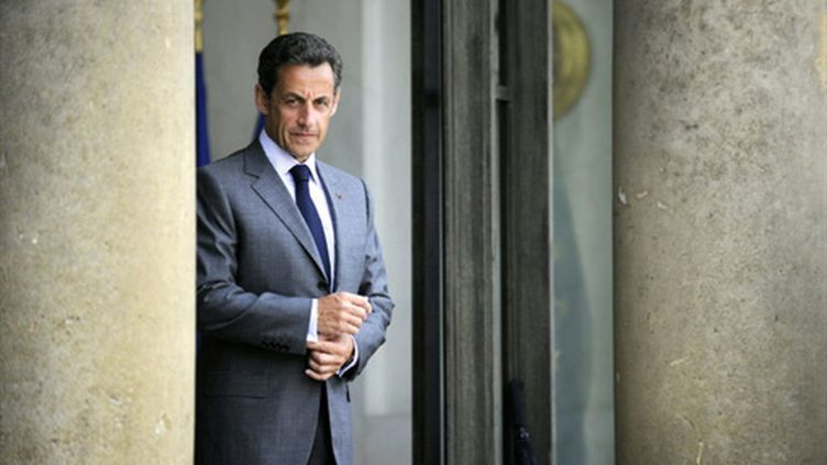 Nicolas Sarkozy sur le péron de l'Elysée - 25/05/10 (AFP Lionel Bonaventure)