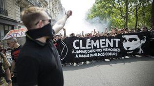 Une marche en mémoire de Clément Méric, le 6 juin 2013, dans les rues de Paris. (MAXPPP)