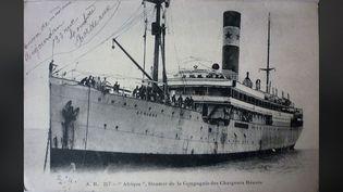 """Le paquebot """"Afrique"""" vers 1910, carte postale, photographe éditeur AB (André Boucher 1877-1933).Retirage photographique par Jean-Louis Venet, collection personnelle (DOMAINE PUBLIC VIA WIKIMEDIA COMMONS)"""