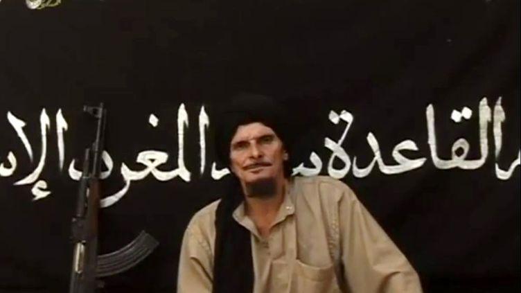 Capture d'écran d'une vidéo de l'agence mauritanienne Sahara Media montrant le jihadiste français Gilles Le Guen, le 9 octobre 2012. ( AFP PHOTO / FAMILLE RODRIGUEZ)