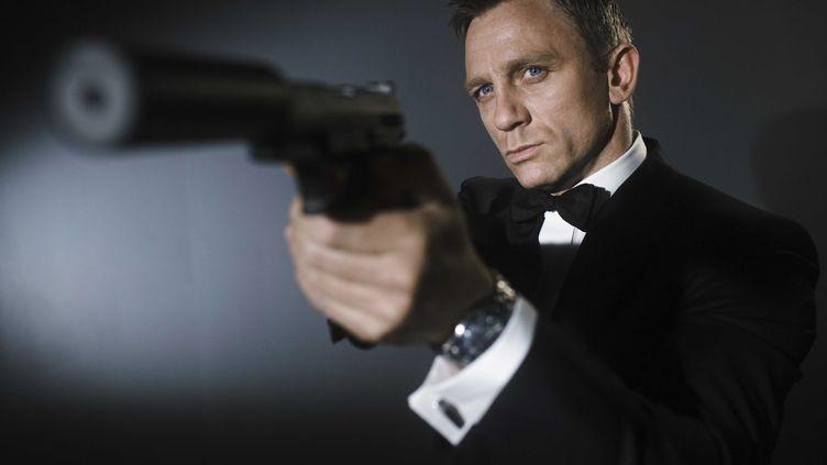 Les marques font partie de l'ADN de James Bond, ici incarné par Daniel Craig en 2006. (ARCHIVES DU 7EME ART / AFP)