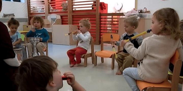 La crèche Cap Enfants de Gennevilliers propose des ateliers musicaux  (France 3 / Culturebox)