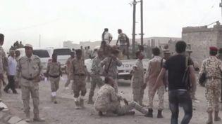 Des militaires yéménites touchés par une attaque de drone (Capture d'écran France 2)
