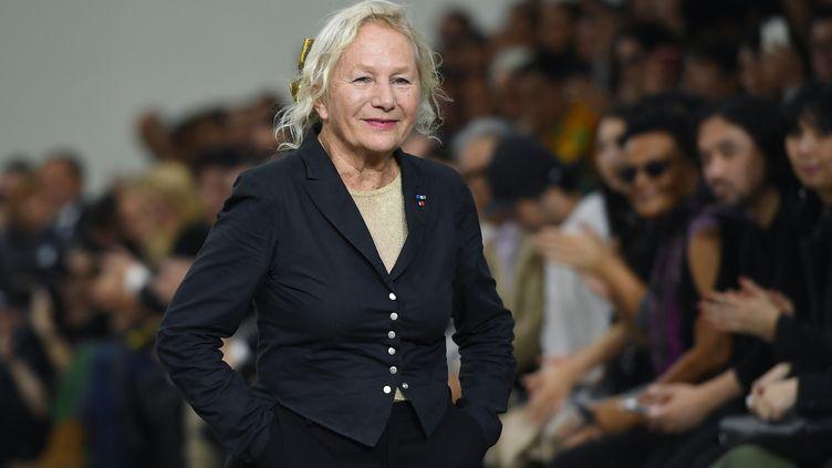 Agnès b. lors d'un défilé à Paris, le 30 septembre 2019. (CHRISTOPHE ARCHAMBAULT / AFP)