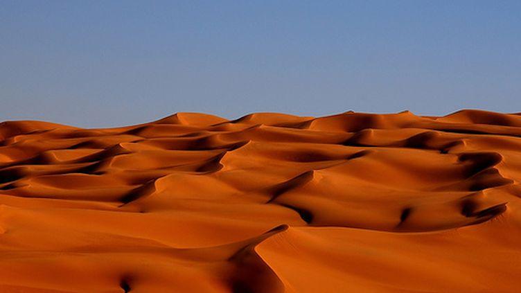 Les dunes vierges et brûlantes du Sahara (© France)
