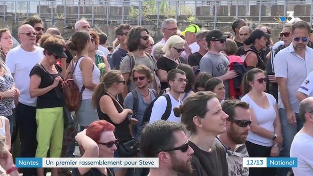 Nantes : un premier hommage dans le calme, des tensions redoutées dans l'après-midi