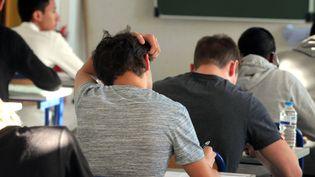 Des candidats au bac passent l'épreuve de philosophie, le 17 juin 2015, au lycée Pasteur de Strasbourg (Bas-Rhin). (MAXPPP)