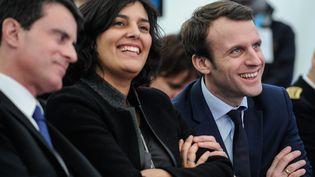 Manuel Valls, Myriam El Khomri etEmmanuel Macron (de gauche à droite), le 22 février 2016 àChalampe (Haut-Rhin). (SEBASTIEN BOZON / AFP)