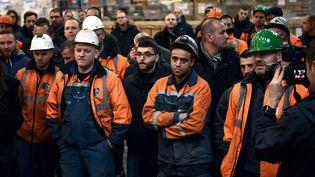 Les employés d'Ascoval dans leur usine de Saint-Saulve, près de Valenciennes (Nord) le 19 décembre 2018. (FRANCOIS LO PRESTI / AFP)