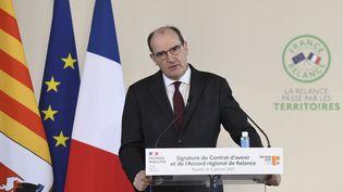 Le Premier ministre, Jean Castex, donne une conférence de presse, le 5 janvier 2021, à Toulon (Var). (NICOLAS TUCAT / AFP)