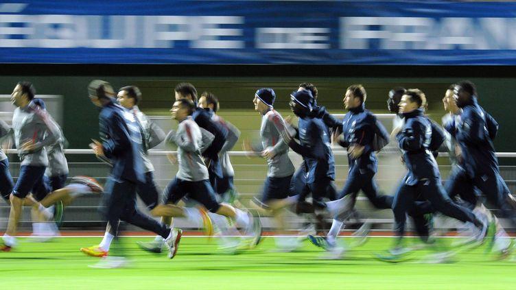 L'équipe de France de football à l'entraînement avant le match amical contre les Etats-Unis, le 8 novembre 2011, à Clairefontaine (Yvelines). (FRANCK FIFE / AFP)