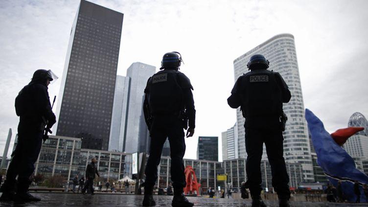(Le gouvernement prévoit de trasnférer les mesures de l'état d'urgence dans le droit commun © Reuters/Christian Hartmann)