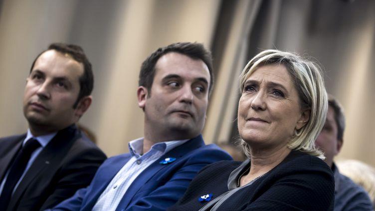 Sébastien Chenu, Florian Philippot et Marine Le Pen, lors d'une convention du Front national à Paris, le 8 novembre 2016. (MAXPPP)
