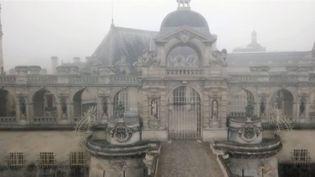En plus de ses écuries, le château abrite une importante collection de peintures classiques léguée par le duc d'Aumale, le fils du roi Louis-Philippe. (FRANCE 3)