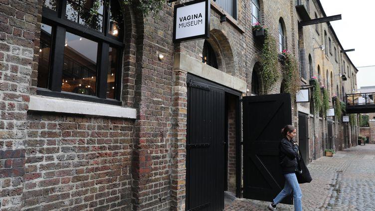 Le musée du vagin a ouvert ses portes, le 14 novembre à Londres. (ISABEL INFANTES / AFP)
