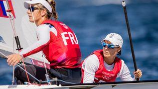 Aloise Retornaz et Camille Lecointre, l'équipage français en 470 aux Jeux olympiques de Tokyo. (KMSP via AFP)