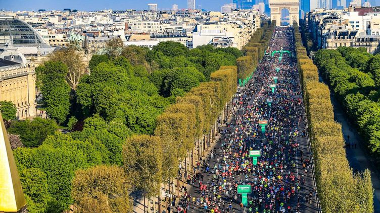 14/04/2019 - Schneider Electric Marathon de Paris - Vue de la nacelle - Champs Elysees (ASO/Aurelien Vialatte)