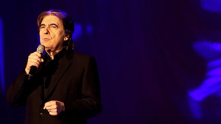 Serge Lama en concert, ici en 2013.  (FRANCOIS NASCIMBENI / AFP)
