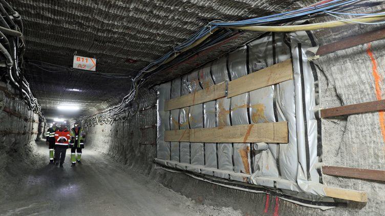 Une alvéole, contenant des déchets, prête pour la fermeture définitive du chantier de déstockage de déchets ultimesàStocamine, à 535 mètres sous terre, dans une ancienne mine de potasse, à Wittelsheim (Haut-Rhin), le 31 octobre 2017. (THIERRY GACHON / MAXPPP)