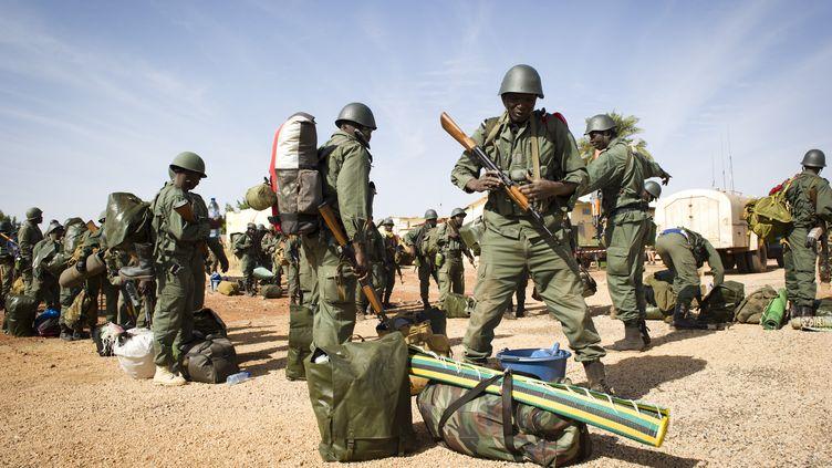 Des soldats maliens en route vers Gao, le 26 janvier 2013 (photo communiquée par l'armée française). (GHISLAIN MARIETTE / ECPAD / AFP)