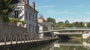 France 3 vous propose de partir à la découverte de la ville de Montargis (Loiret), avec plus de 130 ponts et passerelles. (France 3)