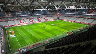 Le stade Pierre Mauroy de Lille lors de la rencontre de Ligue 1 entre Lille et Amiens qui s'était jouée à huis clos le 1er avril 2018. (DENIS CHARLET / AFP)